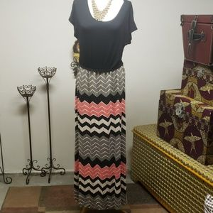 Design history maxi dress.   Size m.